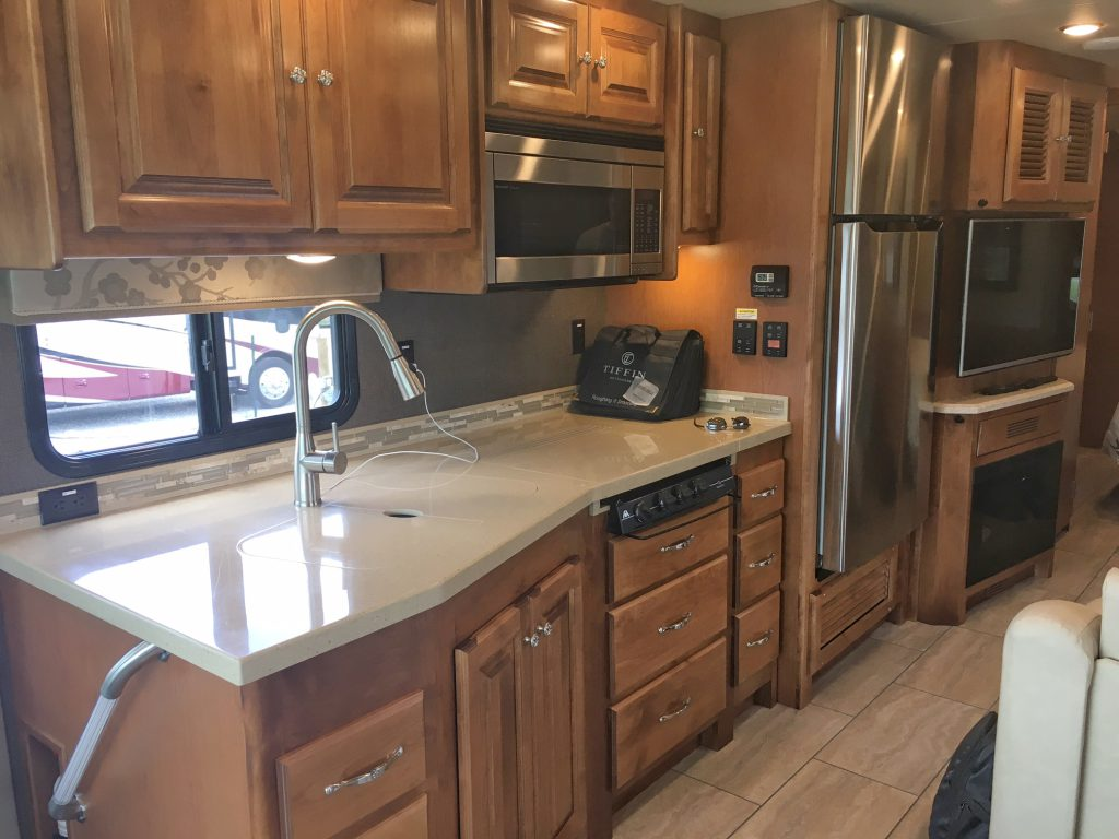 Kitchen in Tiffin Allegro 36LA