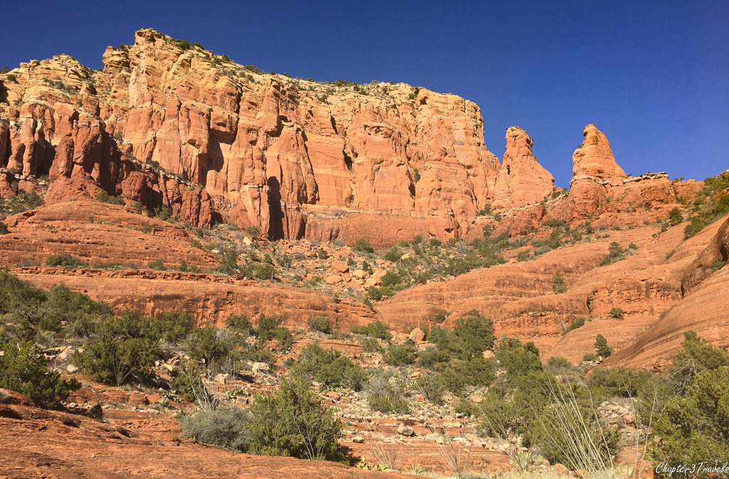 Tall walls of red rocks in Sedona