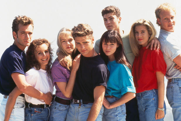 Cast picture from Beverly Hills 90210