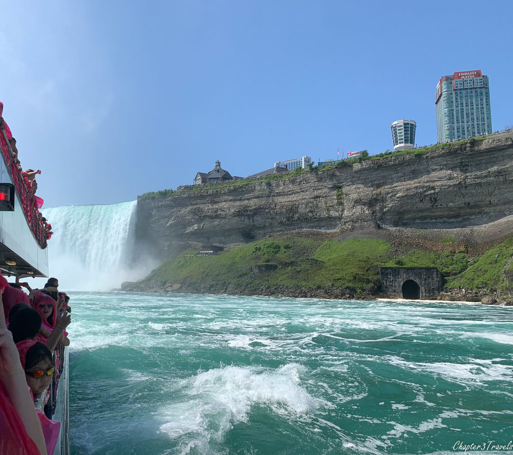 Hornblower cruise retreating from the falls