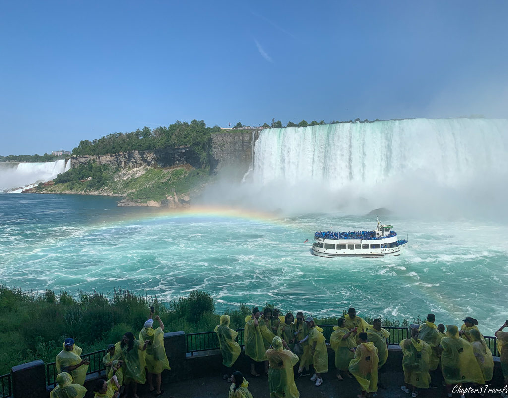 Maid of the Mist boat in Horseshoe Falls