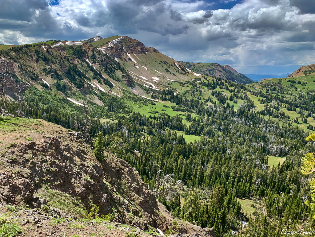 Mountain views on the Rock Creek Basin Trail