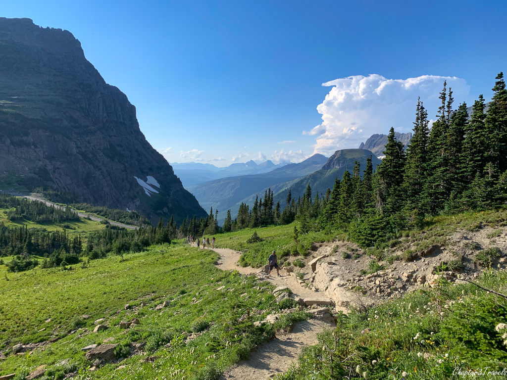Mountain views at entrance to Highline Trail