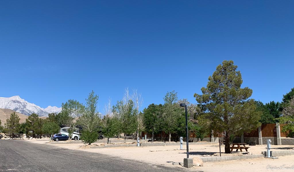 Campsites at Boulder Creek RV Resort in Lone Pine, CA